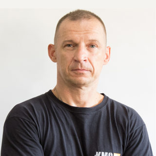 https://www.kravmaga.be/wp-content/uploads/2019/11/Piotr-320x320.jpg